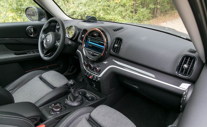 2017 Mini Cooper S Countryman All4 - Slide 36