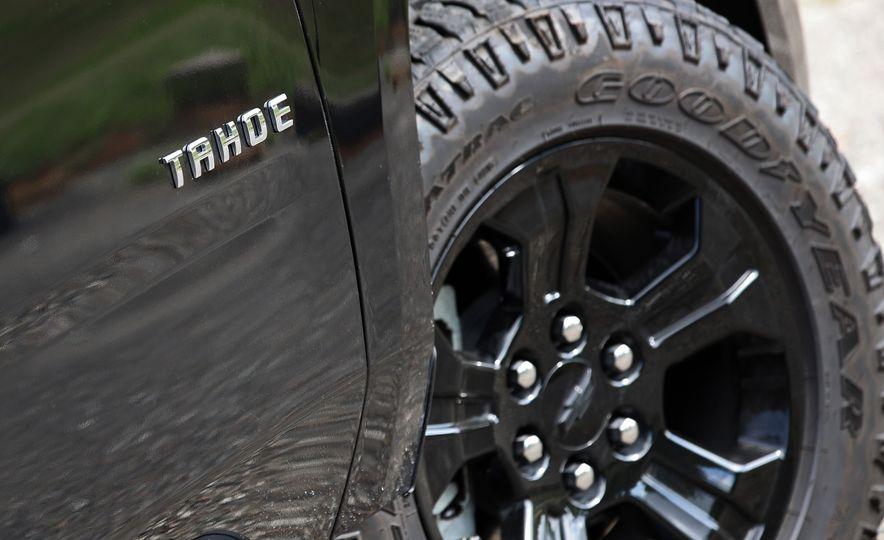 2017 Chevrolet Tahoe Z71 - Slide 22