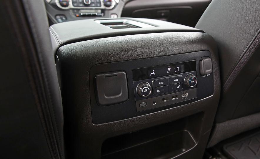 2017 Chevrolet Tahoe Z71 - Slide 44