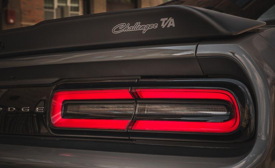 2018 Dodge Challenger R/T Shaker Shakedown Package - Slide 17