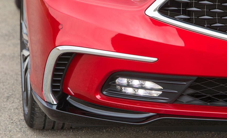 2018 Acura RLX Sport SH-AWD hybrid - Slide 32