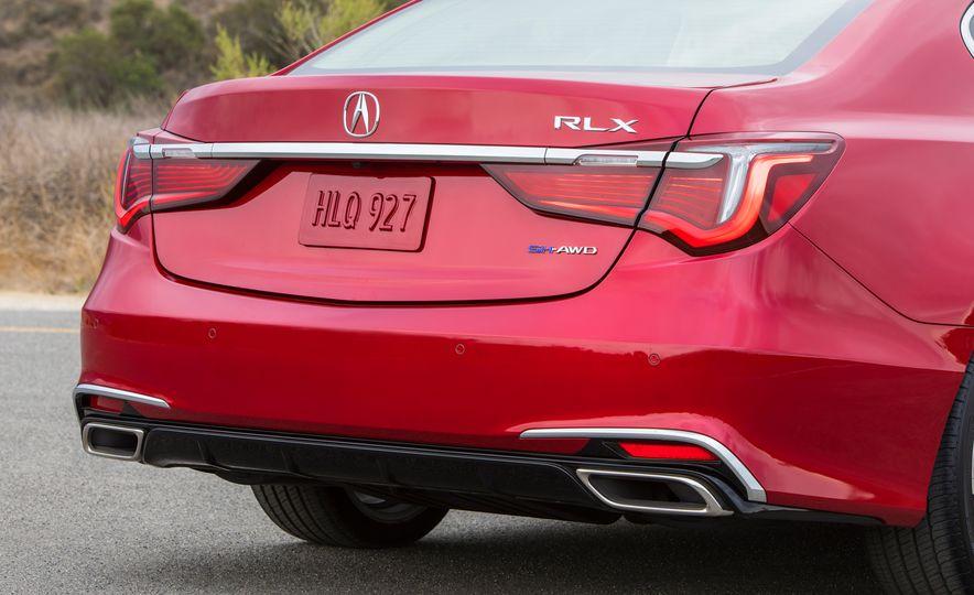 2018 Acura RLX Sport SH-AWD hybrid - Slide 36