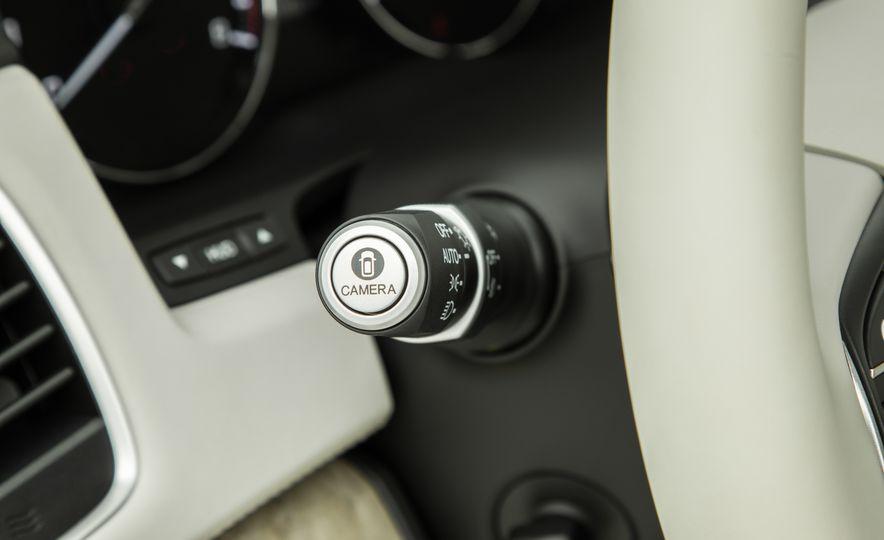 2018 Acura RLX Sport SH-AWD hybrid - Slide 43