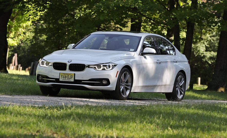 2018 BMW 3-series - Slide 3