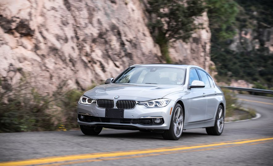 2018 BMW 3-series - Slide 96