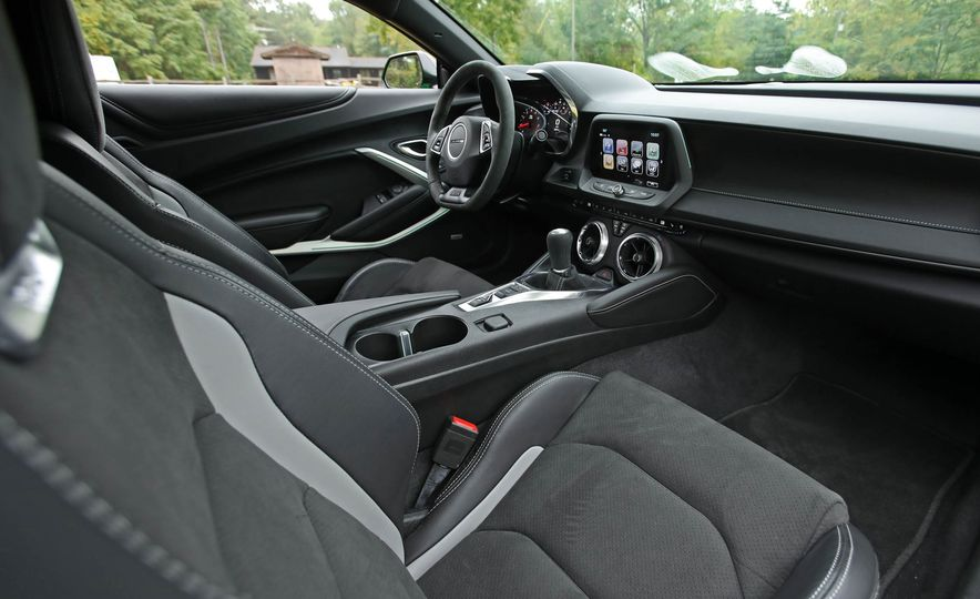 2017 Chevrolet Camaro V-6 1LE - Slide 35