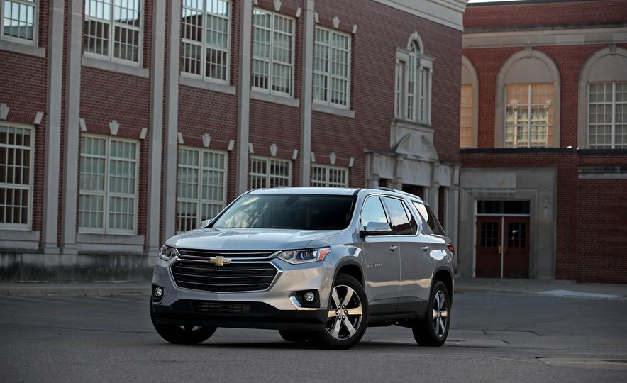 2018 Chevrolet Traverse V-6 FWD - Slide 1