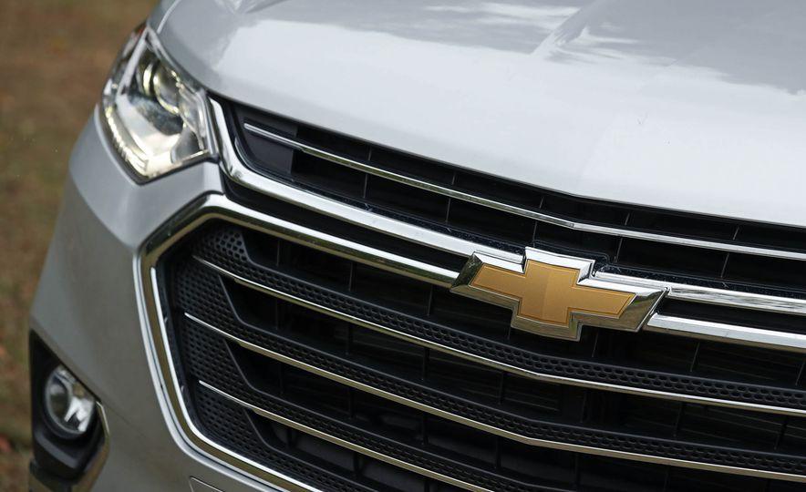 2018 Chevrolet Traverse V-6 FWD - Slide 11