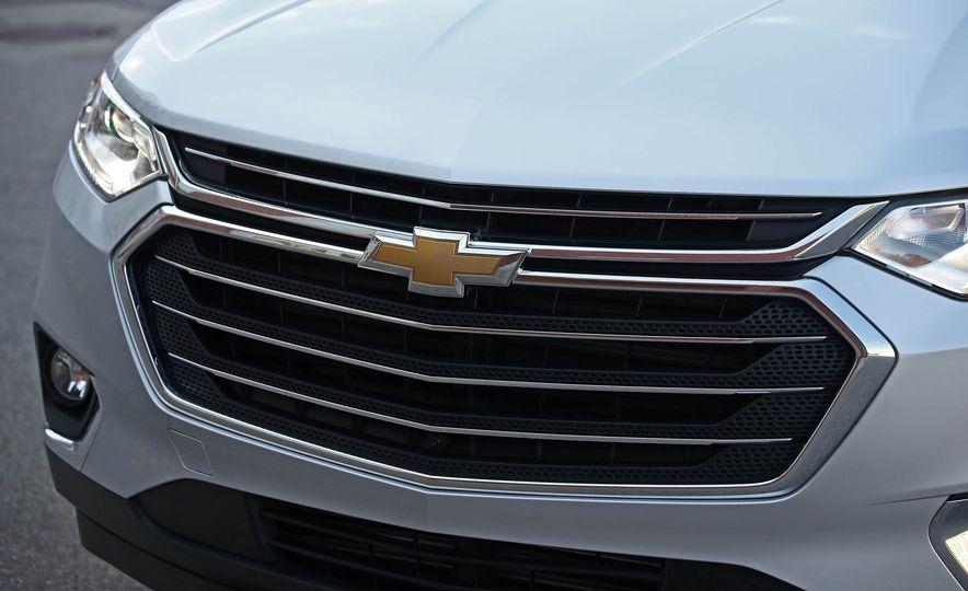 2018 Chevrolet Traverse V-6 FWD - Slide 12