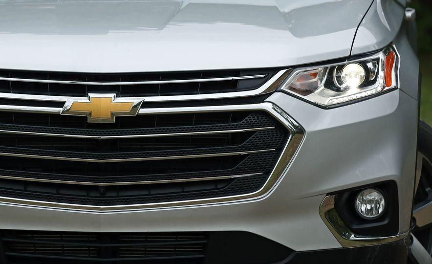 2018 Chevrolet Traverse V-6 FWD - Slide 13