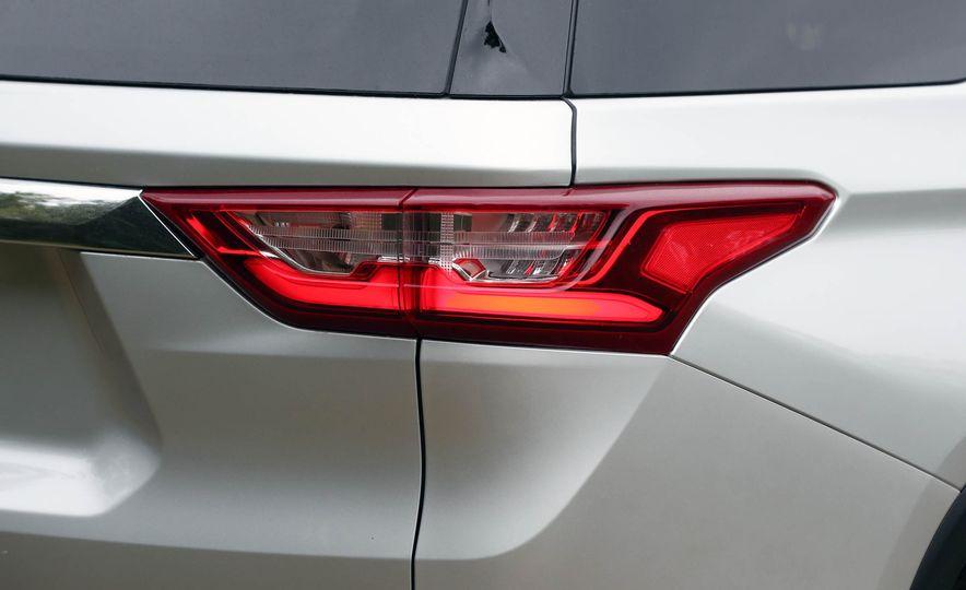 2018 Chevrolet Traverse V-6 FWD - Slide 20