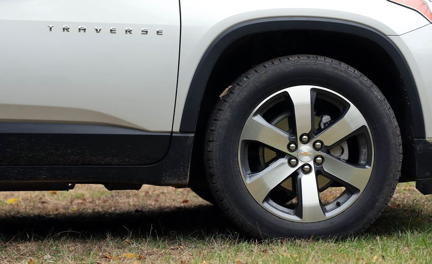 2018 Chevrolet Traverse V-6 FWD - Slide 21