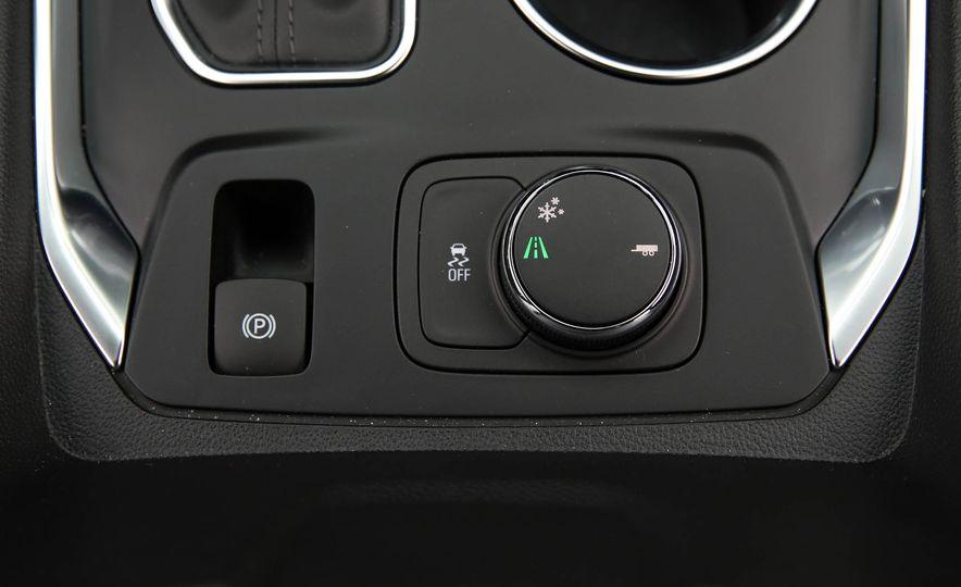 2018 Chevrolet Traverse V-6 FWD - Slide 38