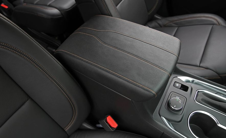 2018 Chevrolet Traverse V-6 FWD - Slide 39