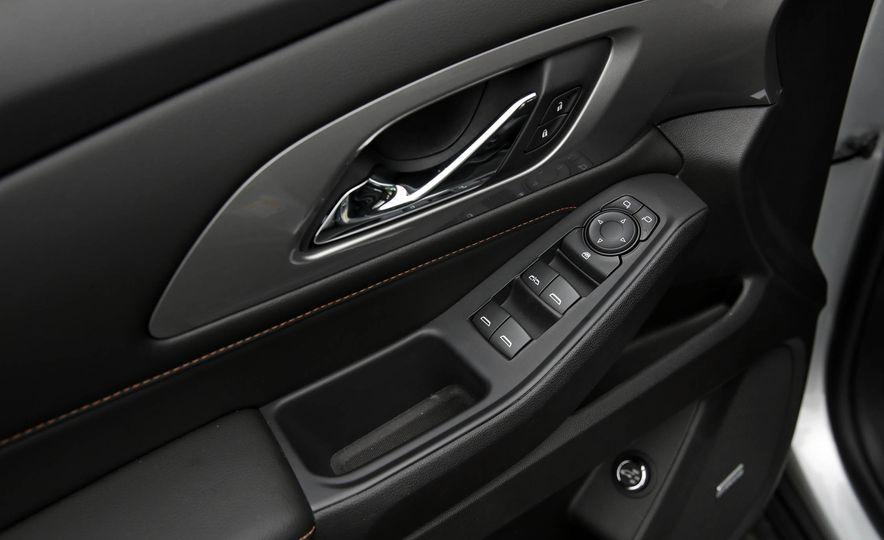2018 Chevrolet Traverse V-6 FWD - Slide 43