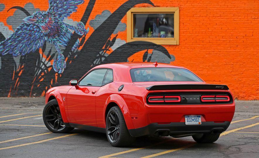 2018 Dodge Challenger SRT SRT Hellcat - Slide 14