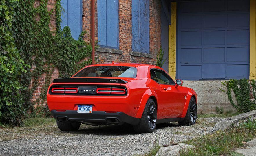 2018 Dodge Challenger SRT SRT Hellcat - Slide 15