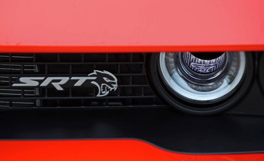 2018 Dodge Challenger SRT SRT Hellcat - Slide 23