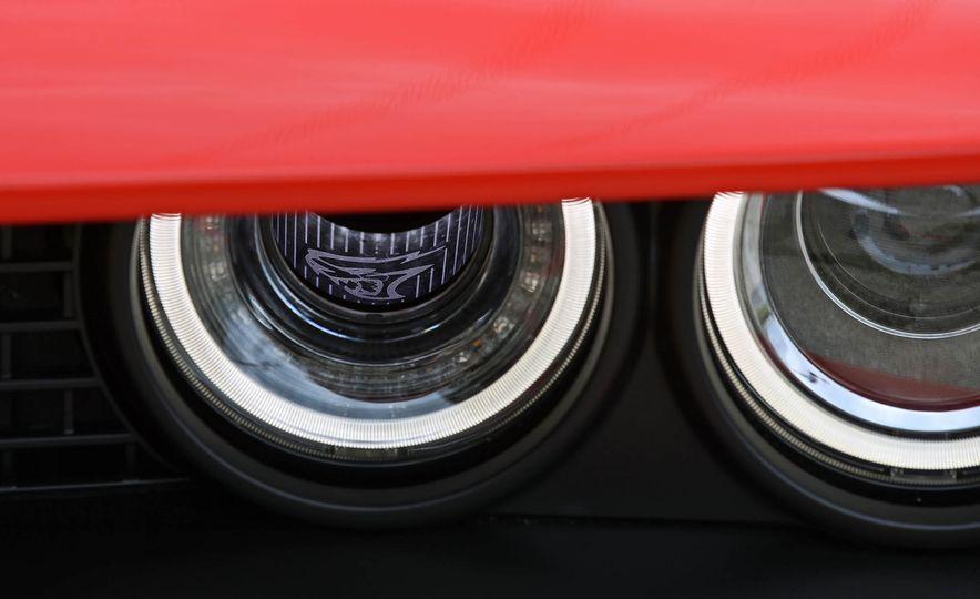 2018 Dodge Challenger SRT SRT Hellcat - Slide 24