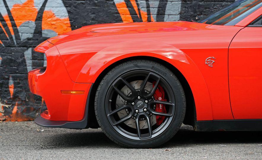 2018 Dodge Challenger SRT SRT Hellcat - Slide 27