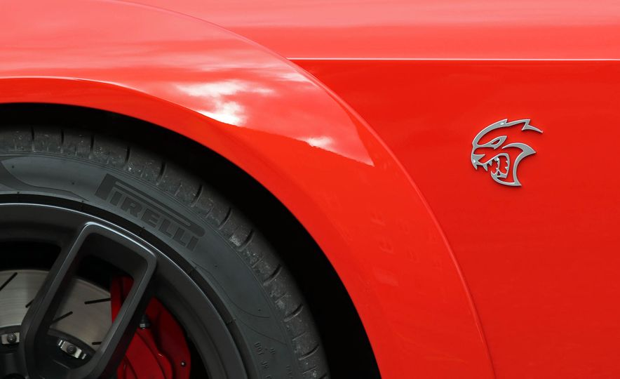 2018 Dodge Challenger SRT SRT Hellcat - Slide 28