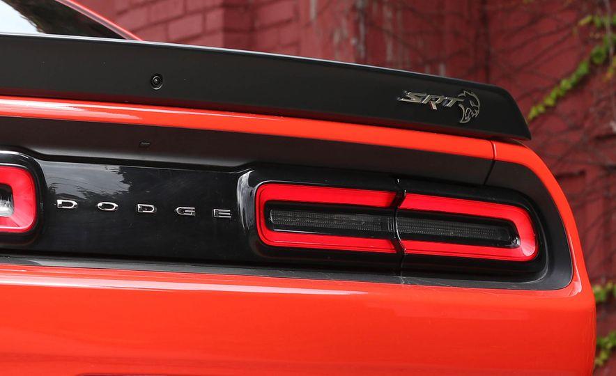 2018 Dodge Challenger SRT SRT Hellcat - Slide 31