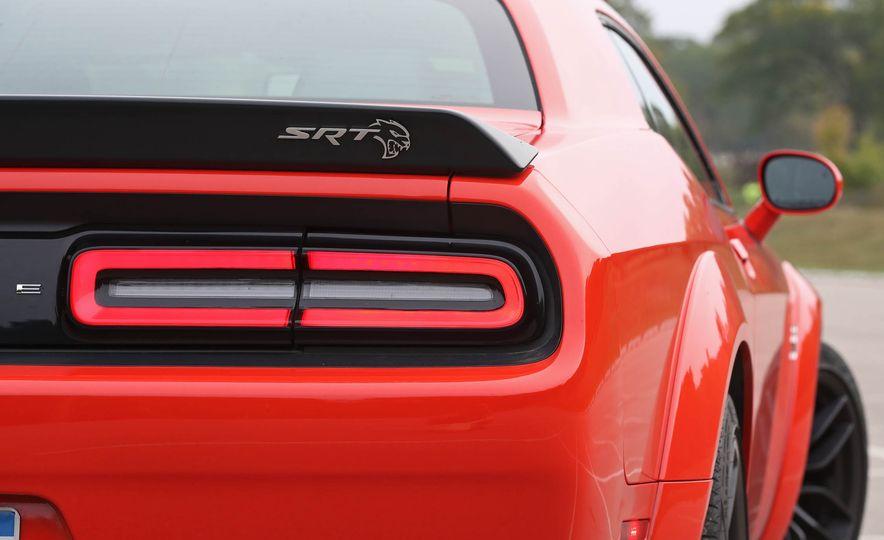 2018 Dodge Challenger SRT SRT Hellcat - Slide 32