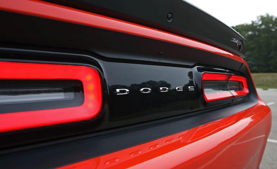 2018 Dodge Challenger SRT SRT Hellcat - Slide 33