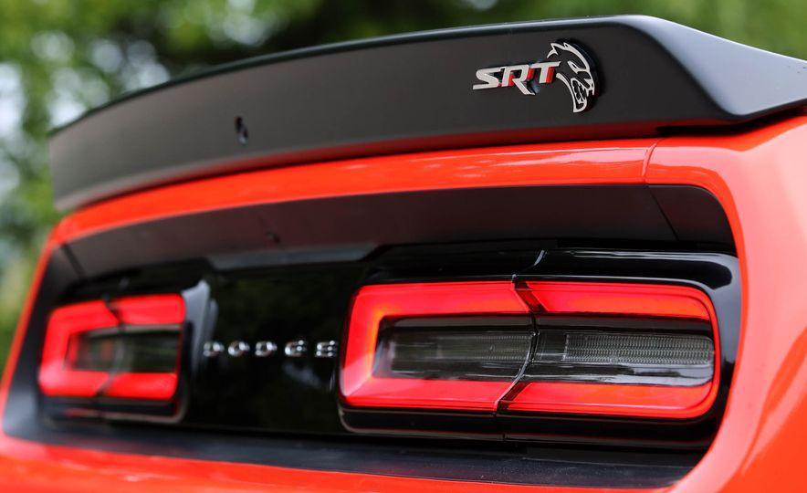 2018 Dodge Challenger SRT SRT Hellcat - Slide 34