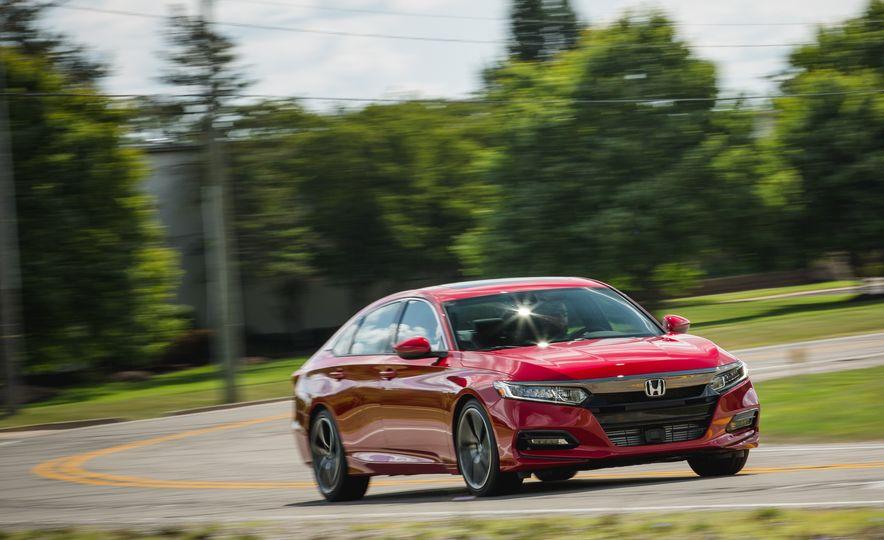 2018 Honda Accord Sport - Slide 2