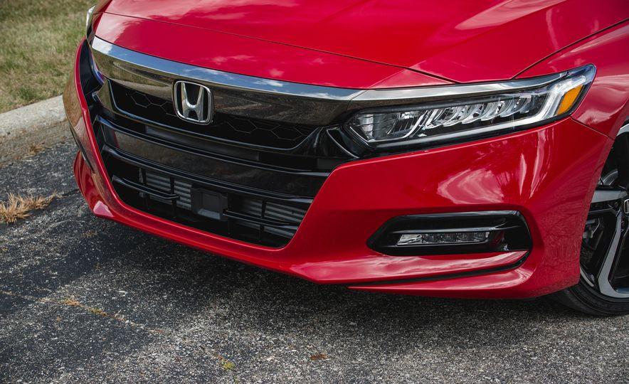 2018 Honda Accord Sport - Slide 18