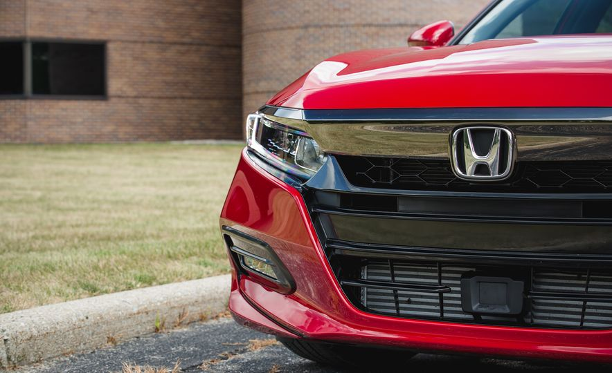 2018 Honda Accord Sport - Slide 19