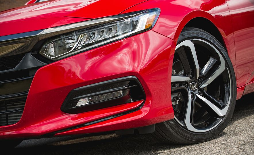 2018 Honda Accord Sport - Slide 22