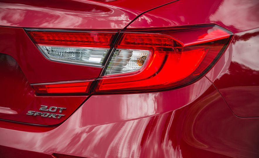 2018 Honda Accord Sport - Slide 24