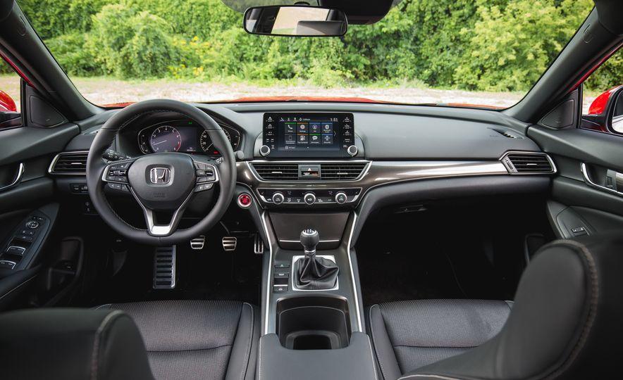 2018 Honda Accord Sport - Slide 29