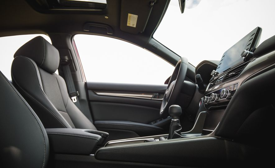 2018 Honda Accord Sport - Slide 31