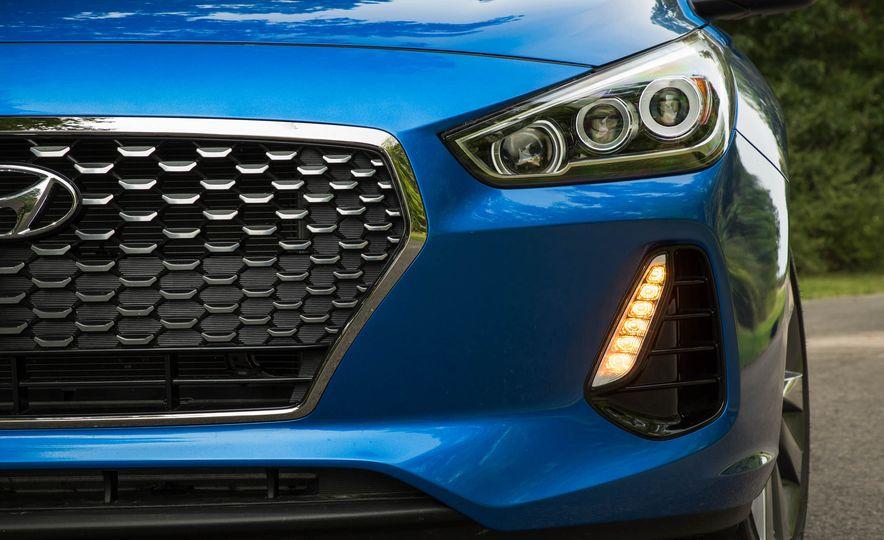 2018 Hyundai Elantra GT Sport - Slide 13