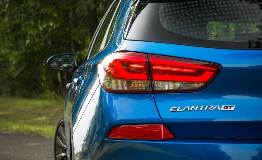 2018 Hyundai Elantra GT Sport - Slide 15