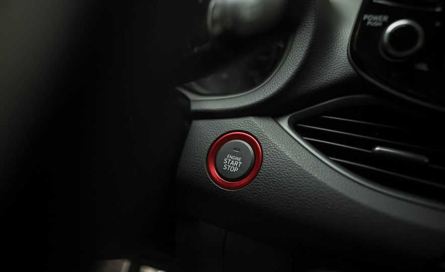 2018 Hyundai Elantra GT Sport - Slide 29