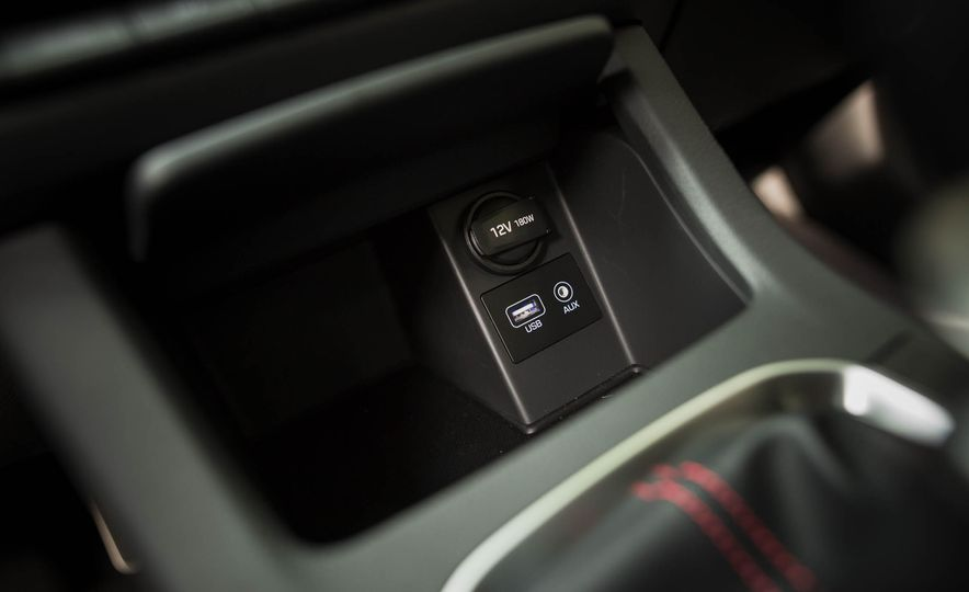 2018 Hyundai Elantra GT Sport - Slide 34