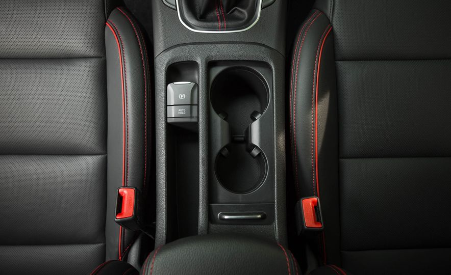 2018 Hyundai Elantra GT Sport - Slide 39