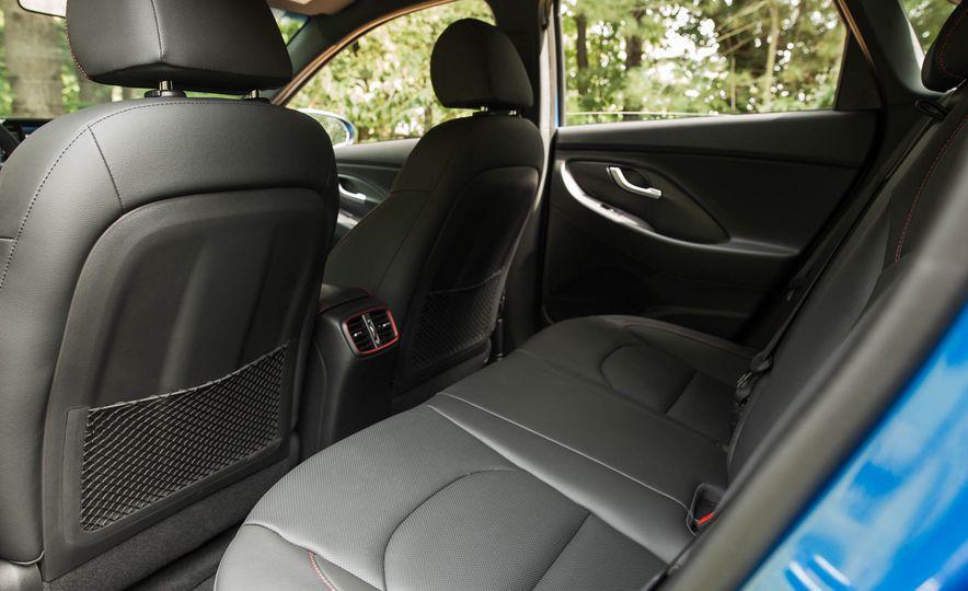 2018 Hyundai Elantra GT Sport - Slide 46
