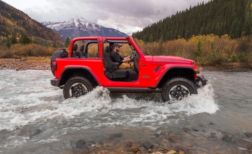 2018 Jeep Wrangler Sport - Slide 9