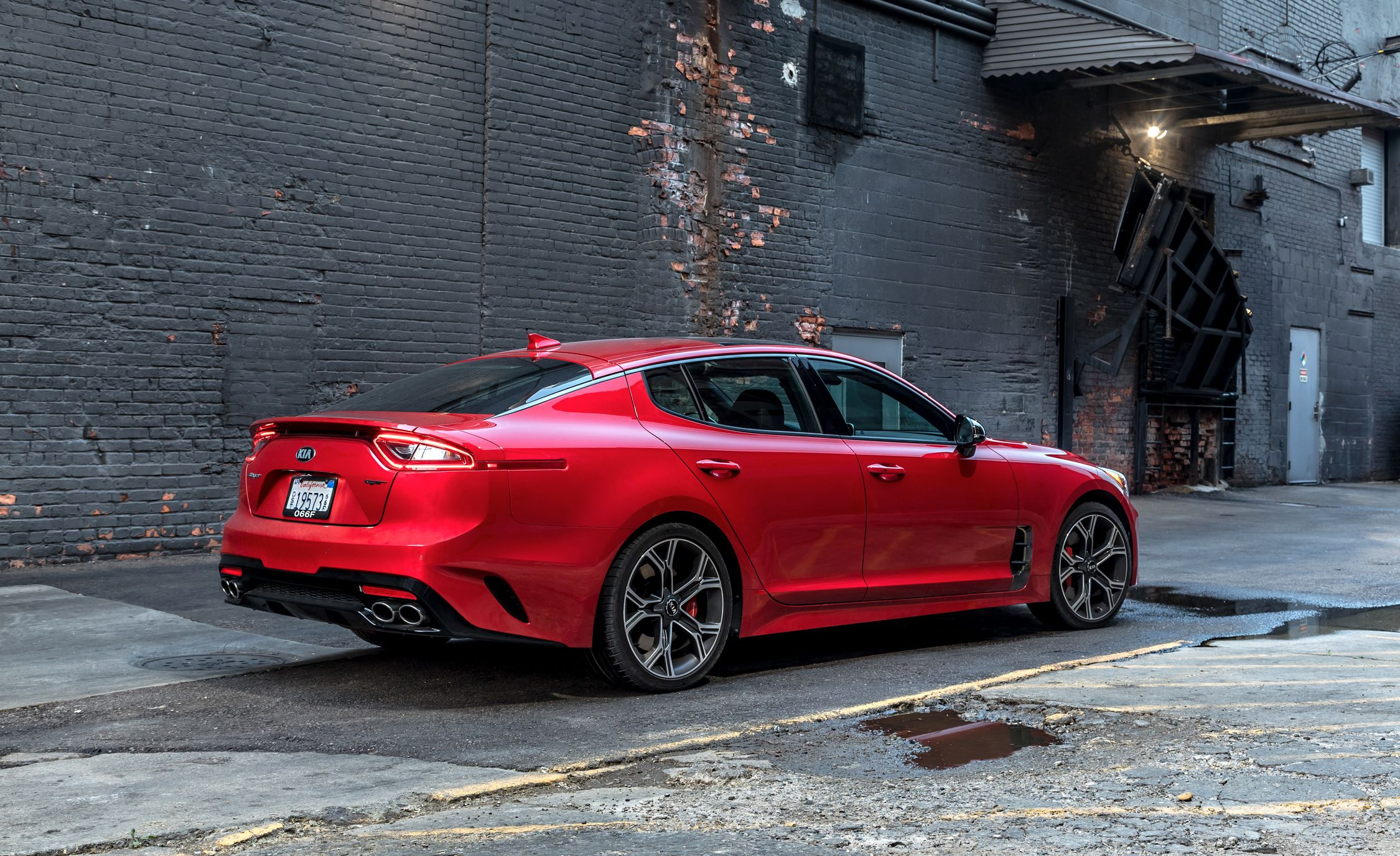 Kia Stinger Reviews Kia Stinger Price Photos And Specs Car And