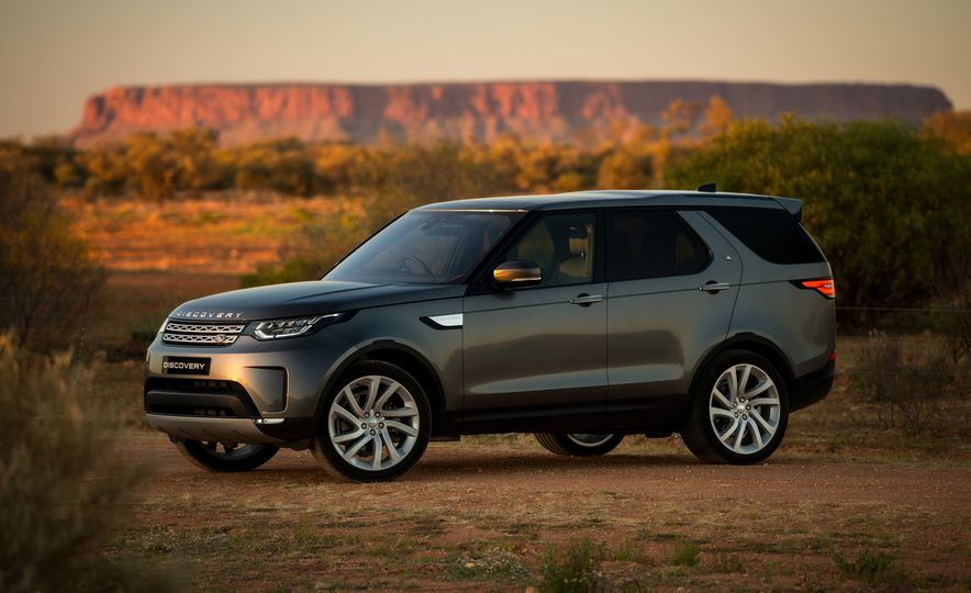 2018 Land Rover Discovery - Slide 1
