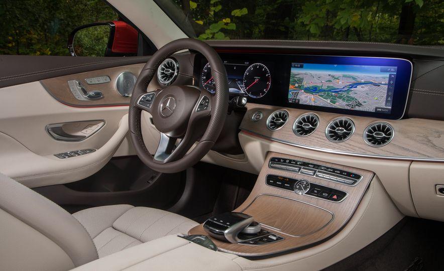 2018 10Best Cars - Slide 106