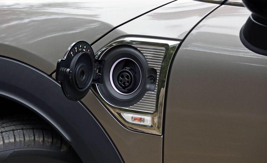 2018 Mini Cooper Countryman S E ALL4 Plug-In Hybrid - Slide 33
