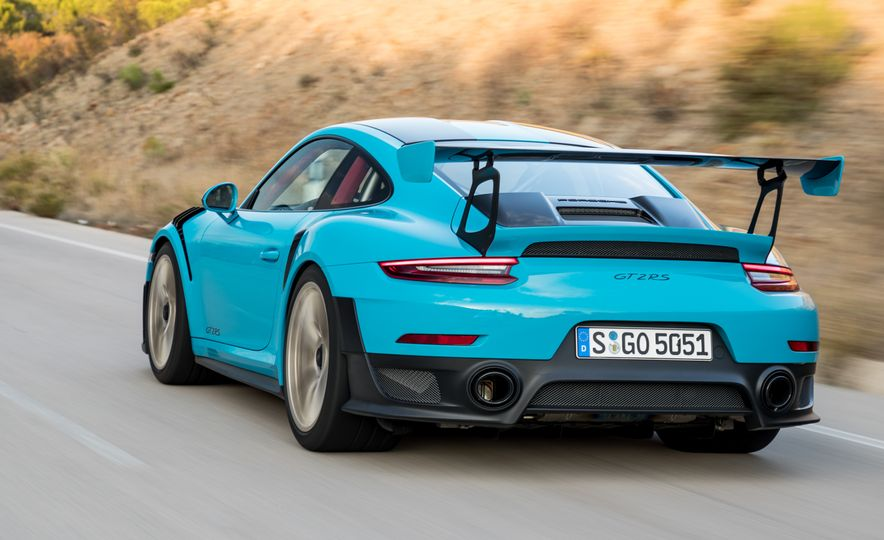 2018 Porsche 911 GT2 RS - Slide 6