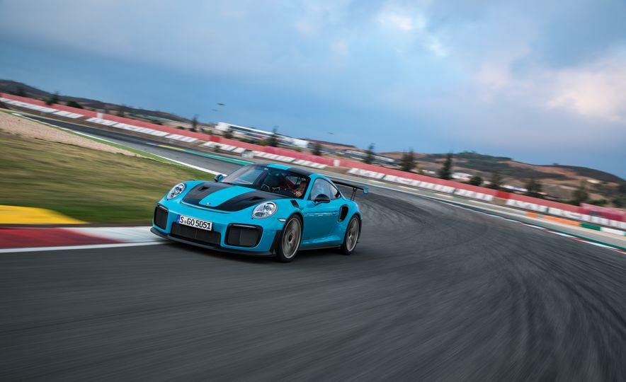 2018 Porsche 911 GT2 RS - Slide 7