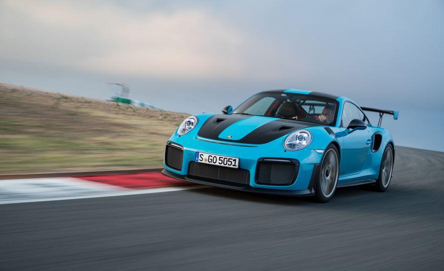 2018 Porsche 911 GT2 RS - Slide 9